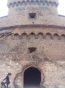 Wieża Wrangel w Kaliningradzie : wejście na dziedziniec