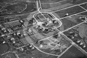 Zdjęcie lotnicze na dzielnicę i kościół